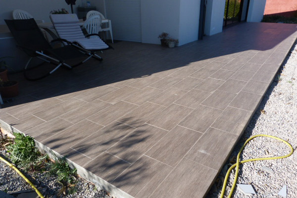 Pose de carrelage terrasse h rault chantier carrelage for Quelle colle pour carrelage exterieur