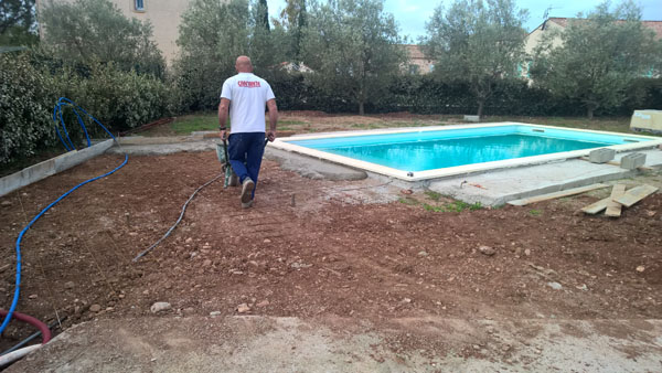 Plage de piscine canet h rault carrelage pour particuliers - Carrelage tour de piscine ...